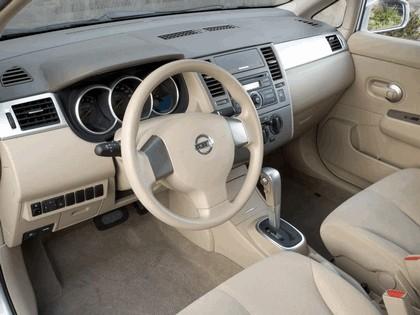 2007 Nissan Versa hatchback 15