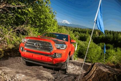 2016 Toyota Tacoma TRD sport 9
