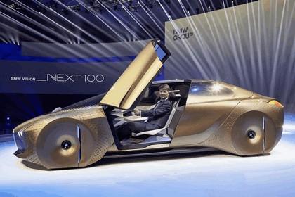 2016 BMW Vision Next 100 concept 21