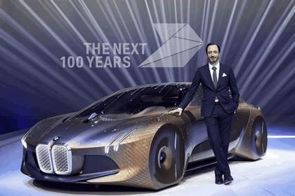2016 BMW Vision Next 100 concept 34