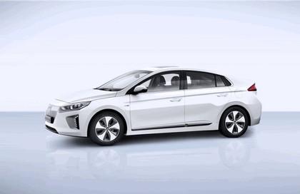 2016 Hyundai Ionic Electric concept 4
