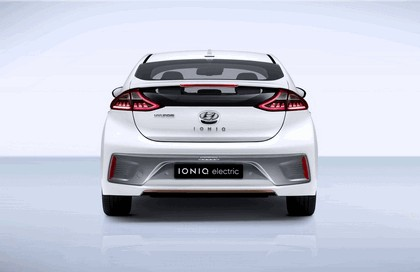 2016 Hyundai Ionic Electric concept 6