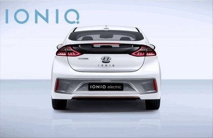 2016 Hyundai Ionic Electric concept 12
