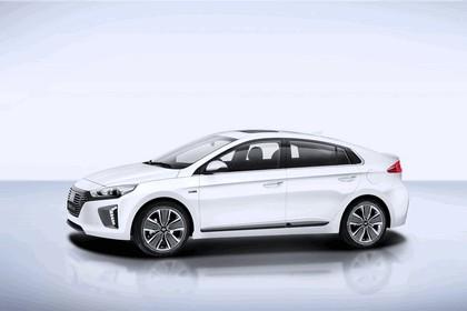 2016 Hyundai Ionic Hybrid concept 1