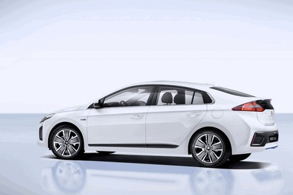 2016 Hyundai Ionic Hybrid concept 2