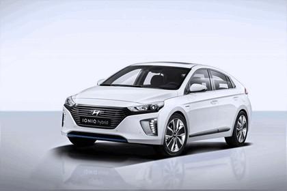 2016 Hyundai Ionic Hybrid concept 4