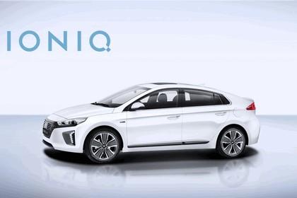 2016 Hyundai Ionic Hybrid concept 7