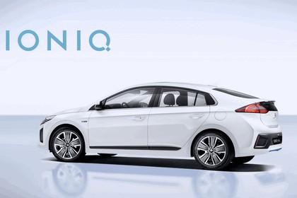 2016 Hyundai Ionic Hybrid concept 8