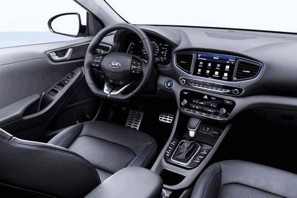 2016 Hyundai Ionic Hybrid concept 14