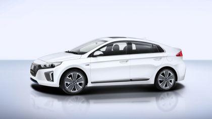 2016 Hyundai Ionic Hybrid concept 3