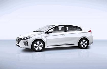2016 Hyundai Ionic Plug-in concept 1