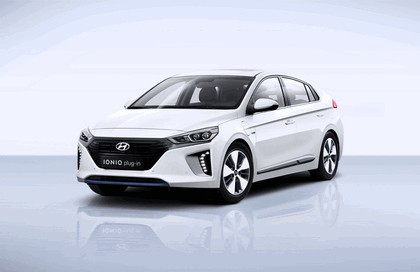 2016 Hyundai Ionic Plug-in concept 4
