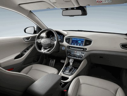 2016 Hyundai Ionic Plug-in concept 14