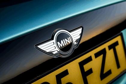 2016 Mini Cooper convertible - UK version 61