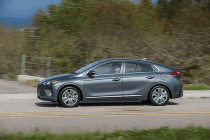 2016 Hyundai Ionic Hybrid - USA version 21