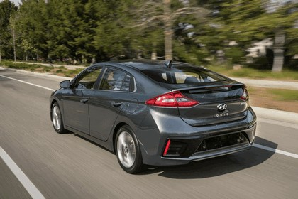 2016 Hyundai Ionic Hybrid - USA version 24