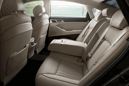 2016 Hyundai Genesis 36