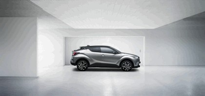 2016 Toyota C-HR 2