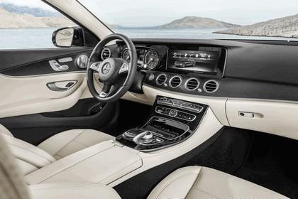 2016 Mercedes-Benz E 220d 11
