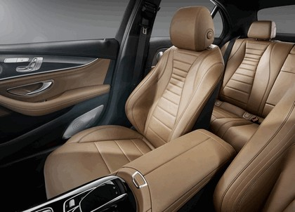 2016 Mercedes-Benz E 400 4Matic 27