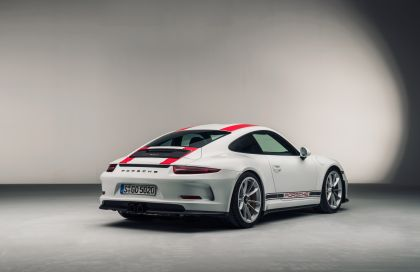 2016 Porsche 911 ( 991 type II ) R 4