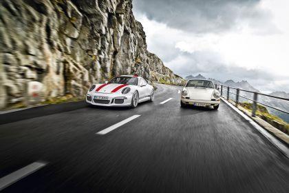 2016 Porsche 911 ( 991 type II ) R 17