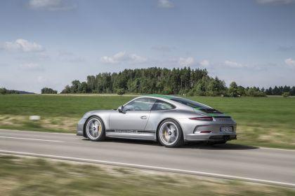 2016 Porsche 911 ( 991 type II ) R 31
