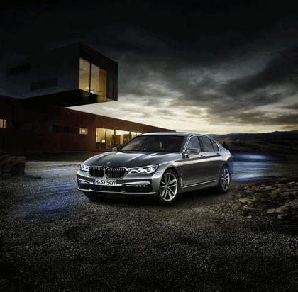 2016 BMW 740e iPerformance 1