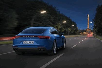 2016 Porsche Panamera 4S 3
