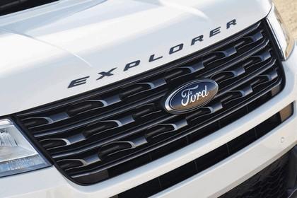 2017 Ford Explorer XLT Sport 10