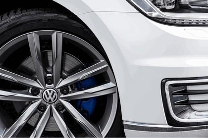 2017 Volkswagen Passat GTE - UK version 12