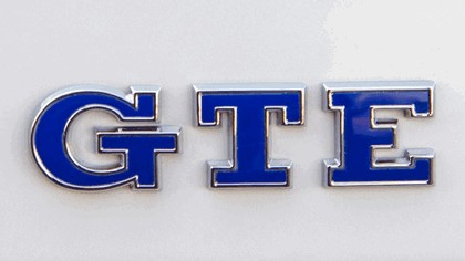 2017 Volkswagen Passat GTE - UK version 16