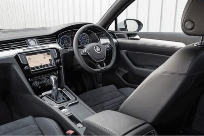 2017 Volkswagen Passat GTE - UK version 17