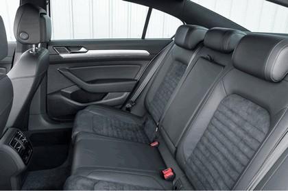 2017 Volkswagen Passat GTE - UK version 19