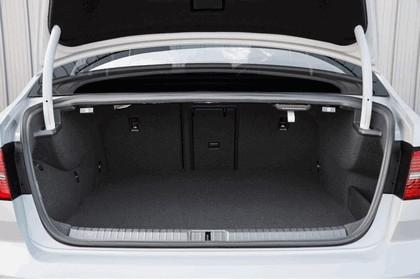 2017 Volkswagen Passat GTE - UK version 22