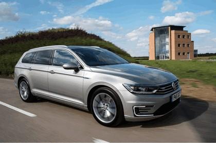 2017 Volkswagen Passat SW GTE - UK version 2