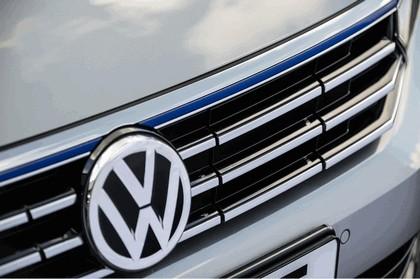 2017 Volkswagen Passat SW GTE - UK version 7