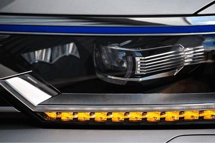 2017 Volkswagen Passat SW GTE - UK version 10