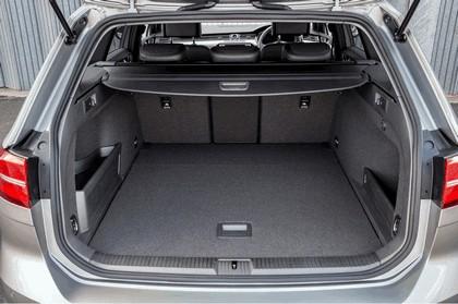 2017 Volkswagen Passat SW GTE - UK version 12