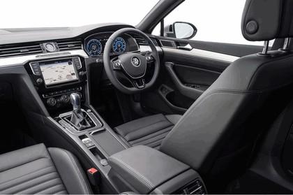 2017 Volkswagen Passat SW GTE - UK version 16