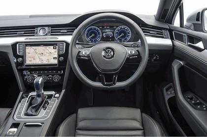 2017 Volkswagen Passat SW GTE - UK version 18