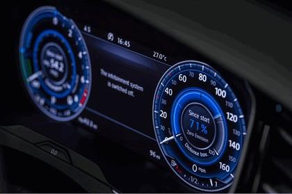 2017 Volkswagen Passat SW GTE - UK version 22