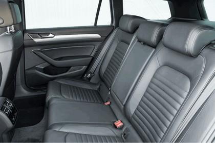 2017 Volkswagen Passat SW GTE - UK version 25