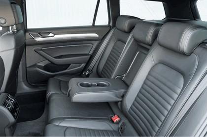 2017 Volkswagen Passat SW GTE - UK version 26