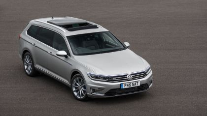 2017 Volkswagen Passat SW GTE - UK version 6