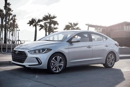 2017 Hyundai Elantra sedan 22