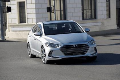 2017 Hyundai Elantra sedan 26