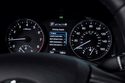 2017 Hyundai Elantra sedan 52