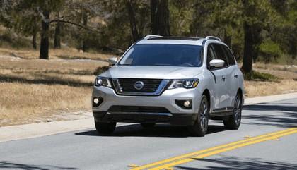 2017 Nissan Pathfinder 26