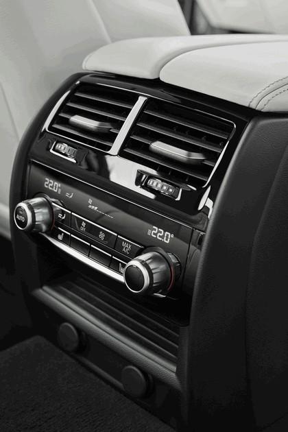 2016 BMW 540i M Sport 77